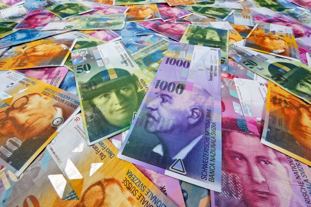 швейцарские франки фотографии купюр